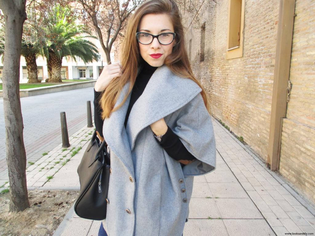 0 Outfit capa gris + DIY falda con botones