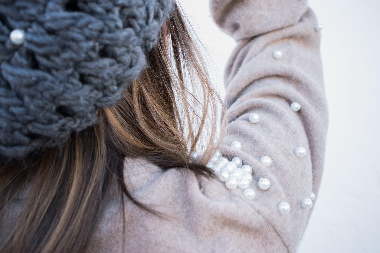 DIY Customiza tus prendas con perlas. Tutorial costura. Looks and diy