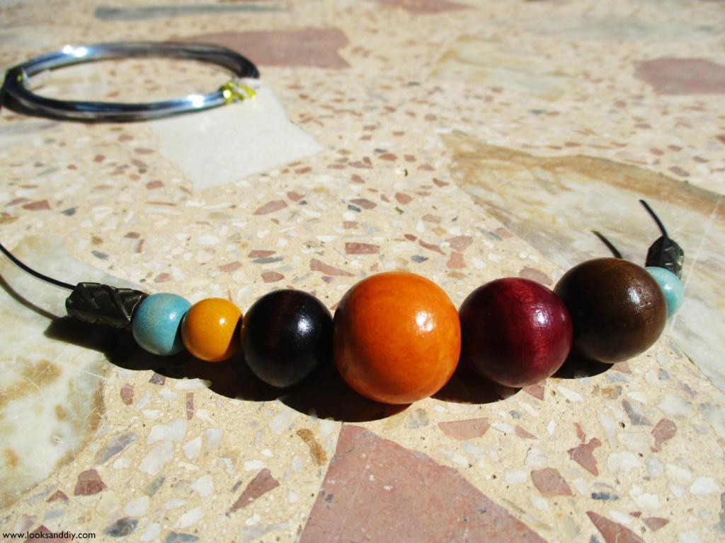3 DIY collar con bolas de madera-min