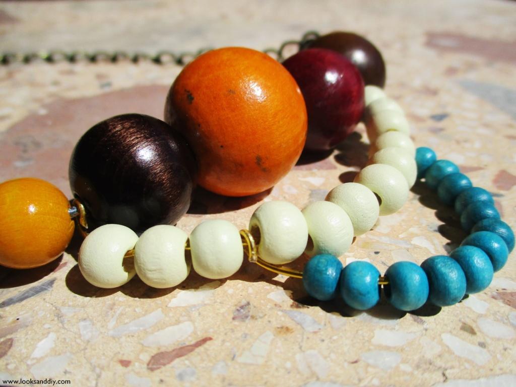 6 collar con bolas de madera-min
