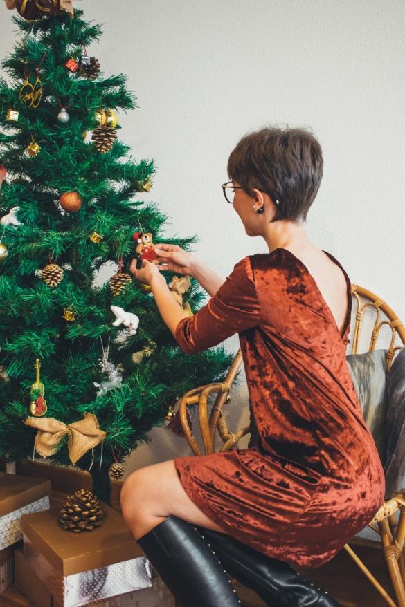 Cómo hacer un vestido de fiesta con escote en la espalda
