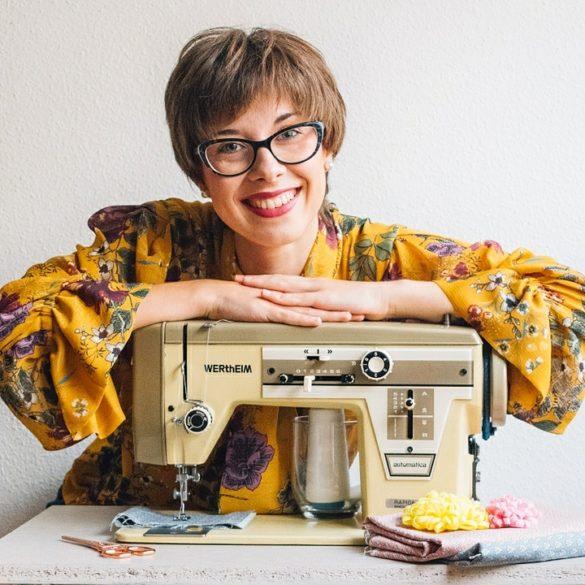 mi nueva máquina de coser vintage - blog de costura creativa